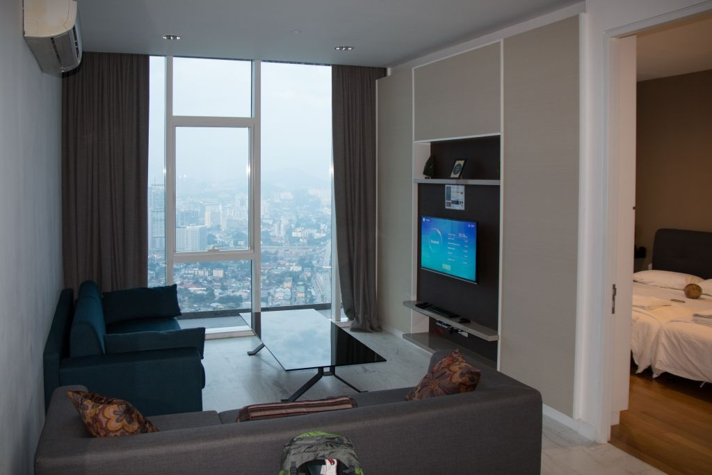 The Face in Kuala Lumpur, Suite