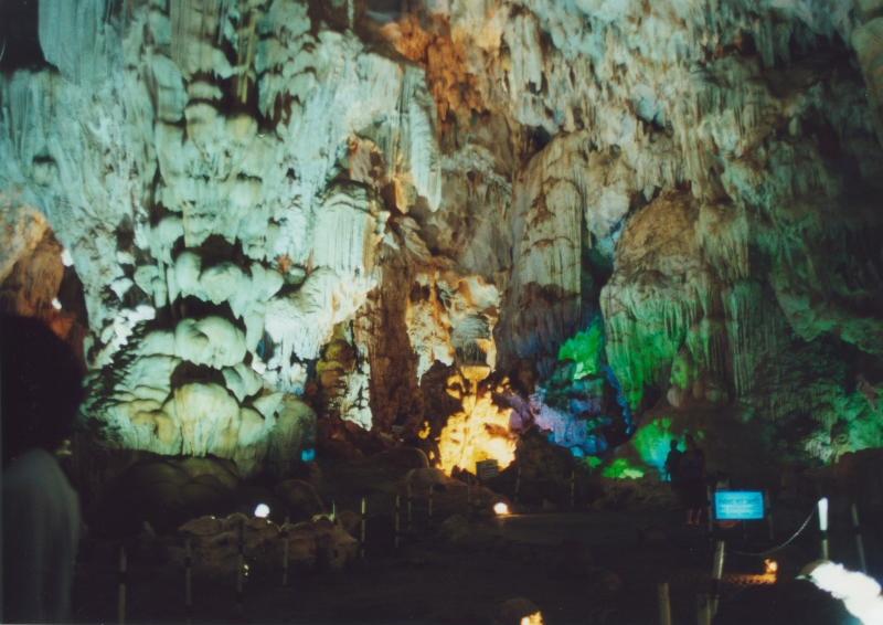 Cat Ba - Tropfsteinhöhle