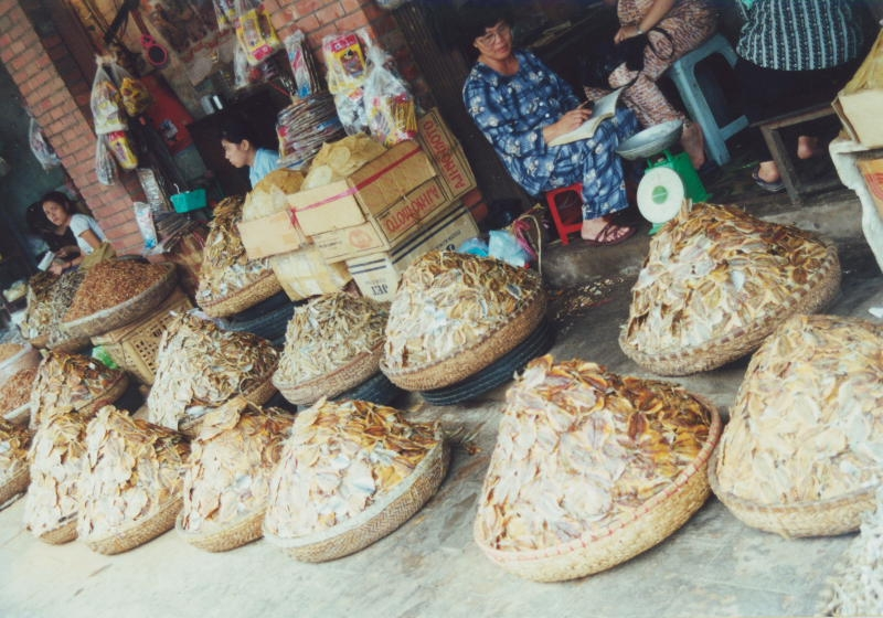 Hanoi - Körbe mit Fisch