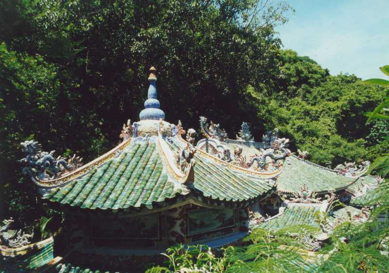 Marble Mountains - Pagodendach