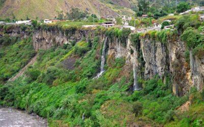 Wanderung durch die Berge bei Banos