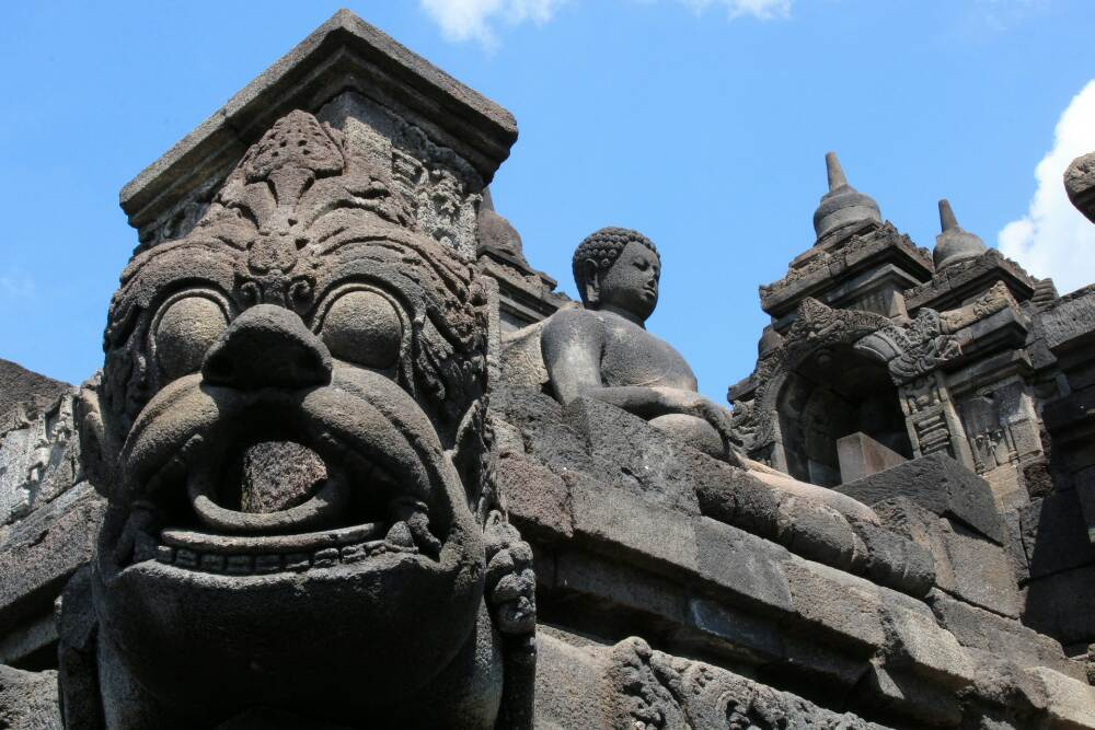 Borobudur - Buddha und Relief