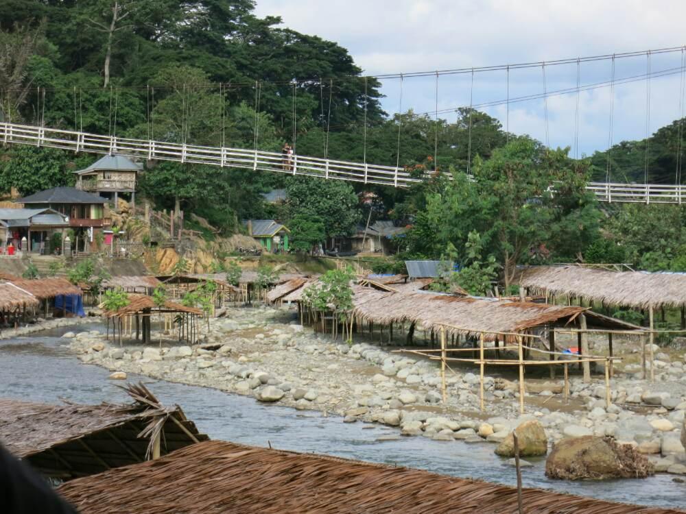 Bukit Lawang - Hängebrücke
