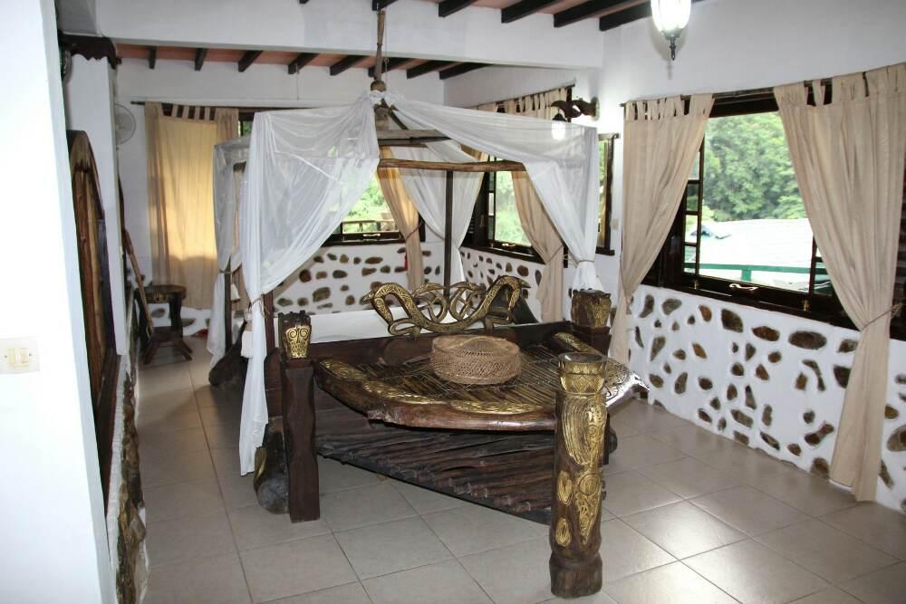 Bukit Lawang - Jungle Inn Honey Moon Suite