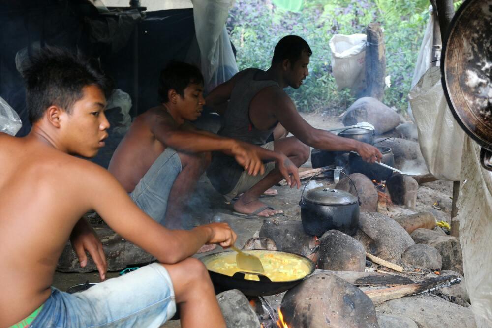 Bukit Lawang - Kochzelt im Dschungelcamp
