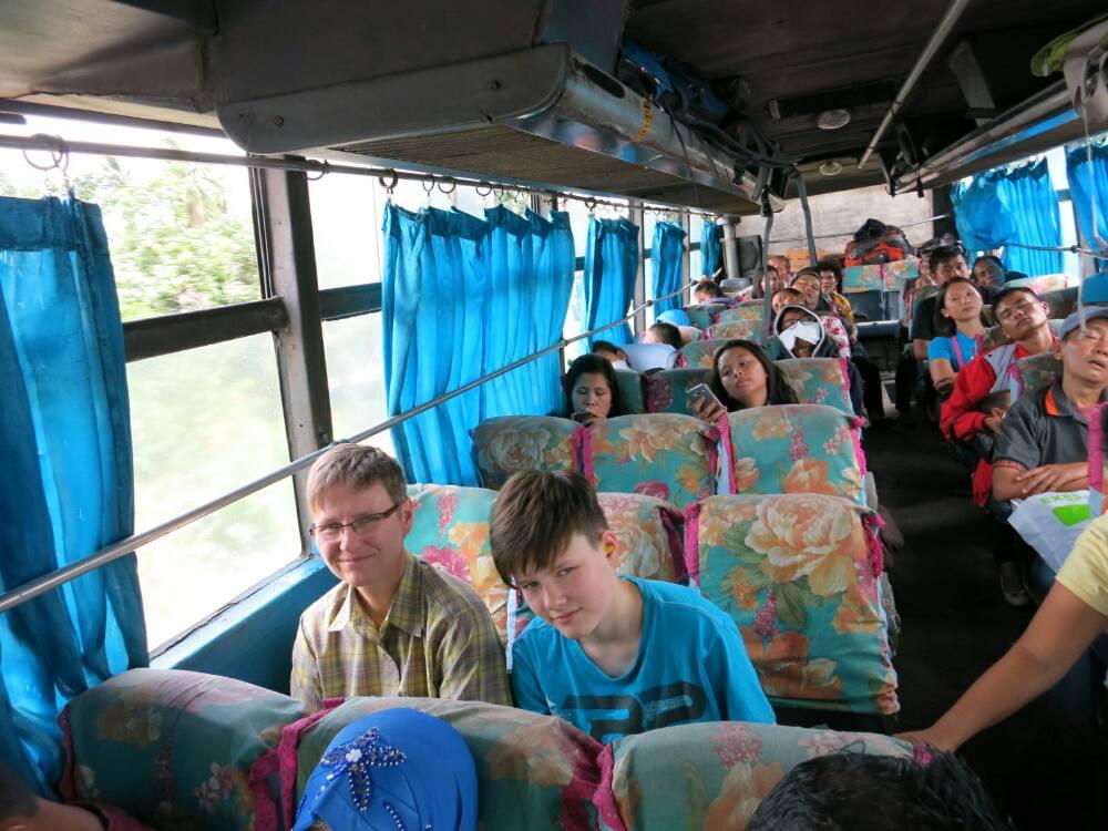 Busfaht - von Medan nach Parapat