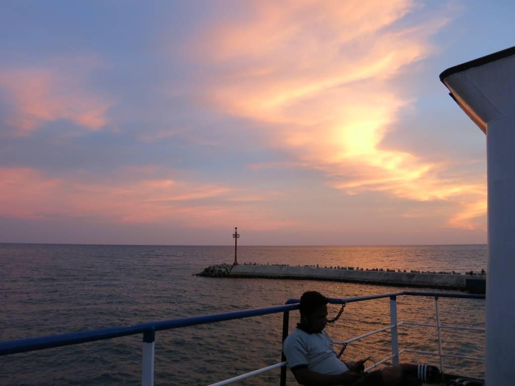 Gorontalo Tuna Tomini Sonnenuntergang