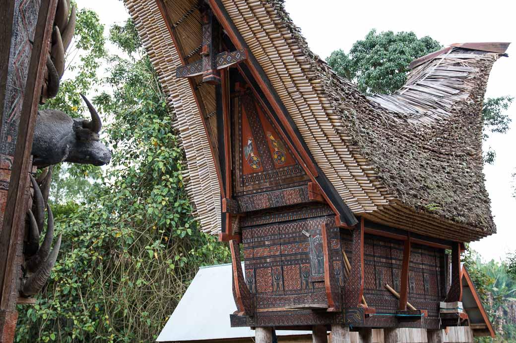 Reisspeicher in einem Toraja-Dorf