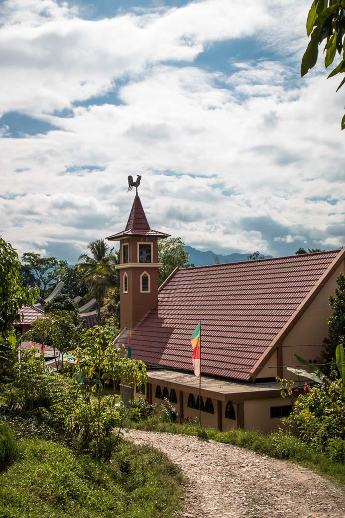 Kirche Wanderung von Kete Kesu nach Londa