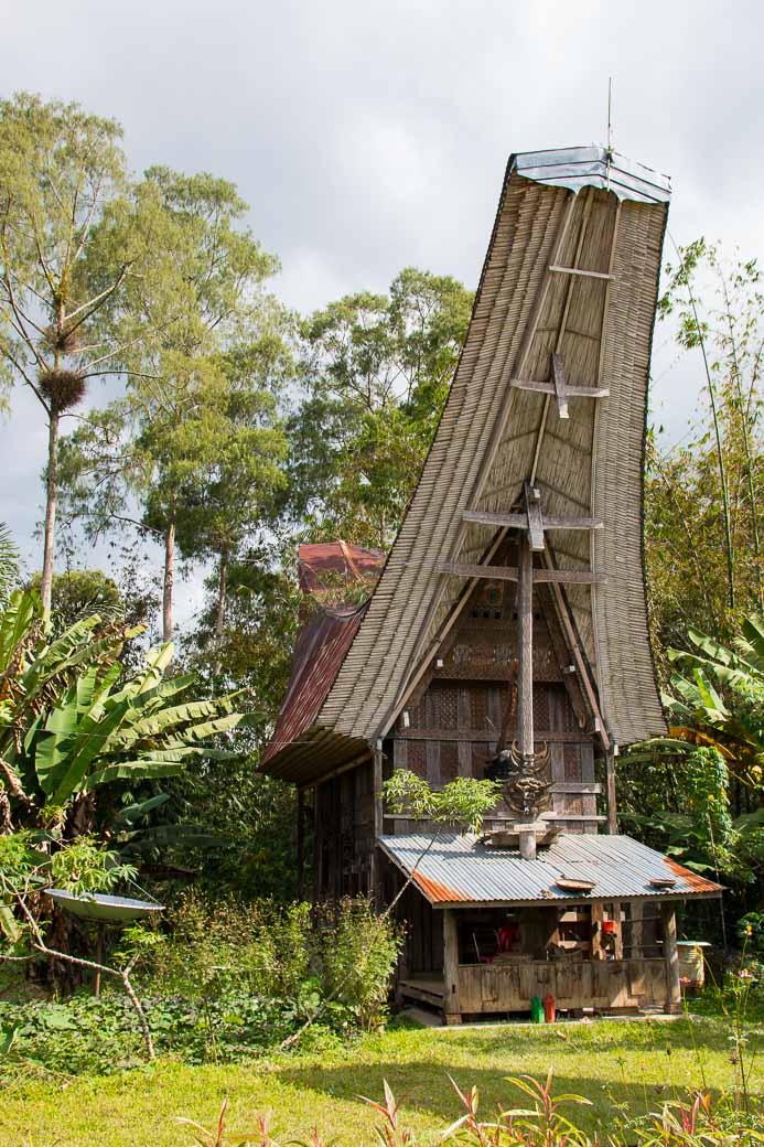 Toraja-Haus, Wanderung von Kete Kesu nach Londa