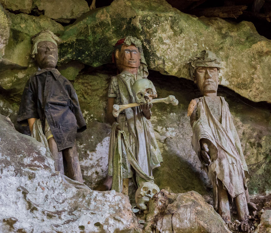 Die Grabhöhlen von Tampangallo