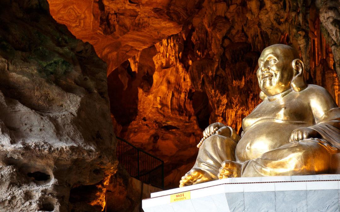 Besuch beim Kek Lok Tong Tempel in Ipoh