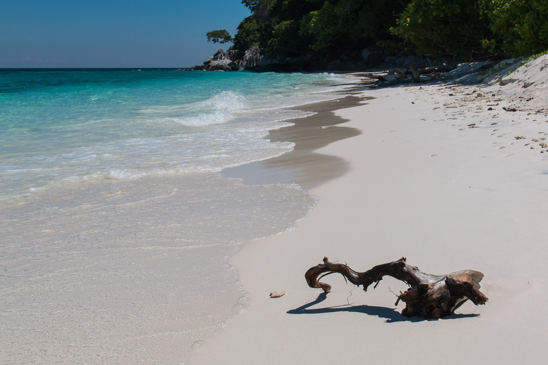 Strand auf Pulau Tulai vor Pulau Tioman