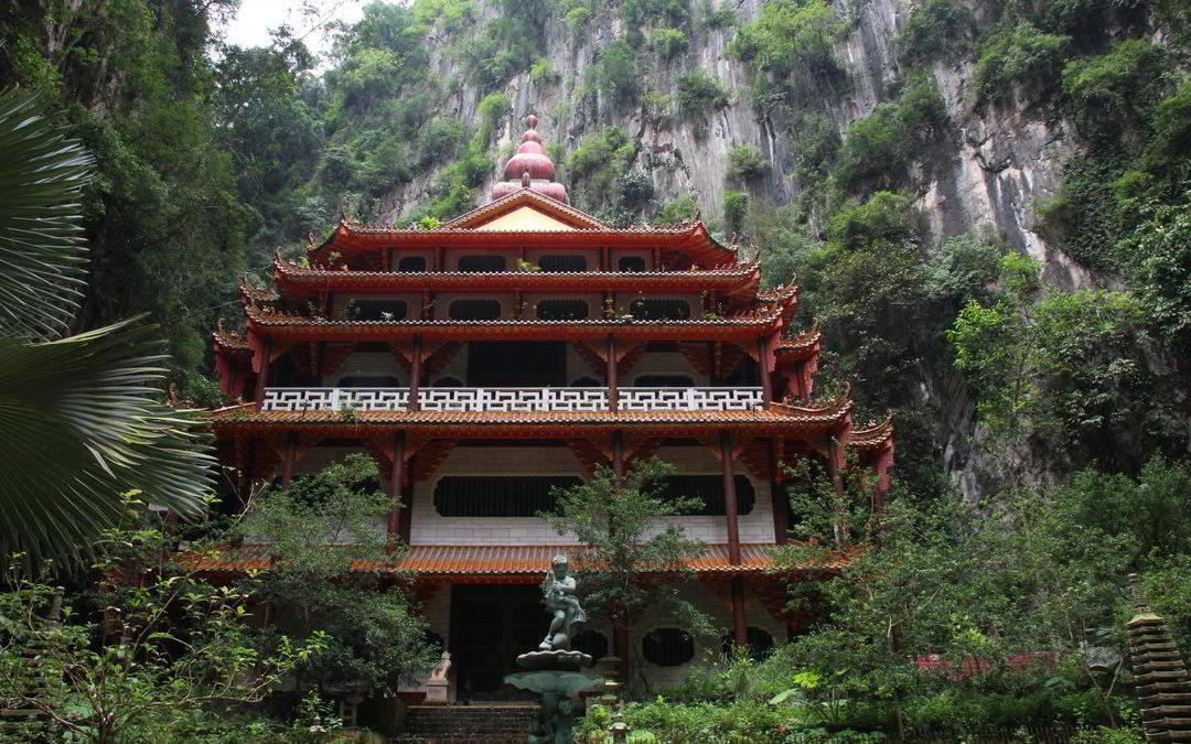 Traumhafter Sam Poh Tong Tempel südlich von Ipoh