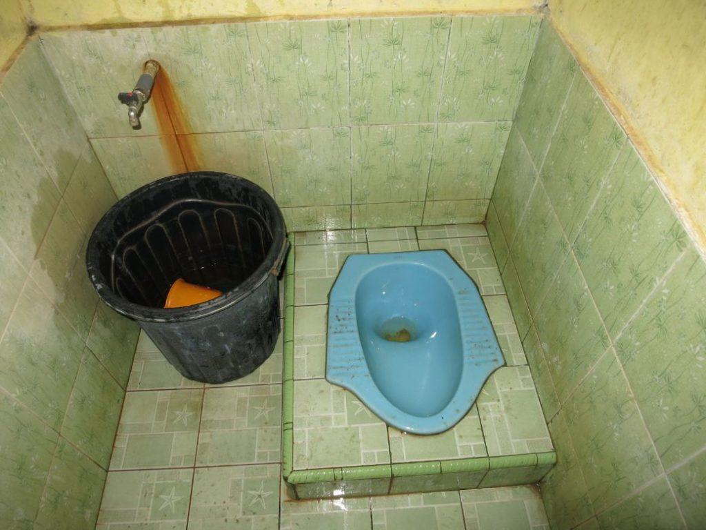 Sulawesi Toiletten im Warung