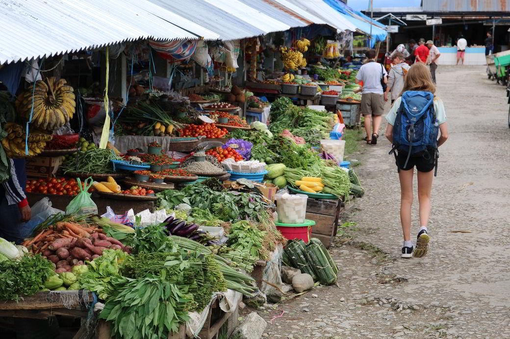 Tentena Markt Gemüse
