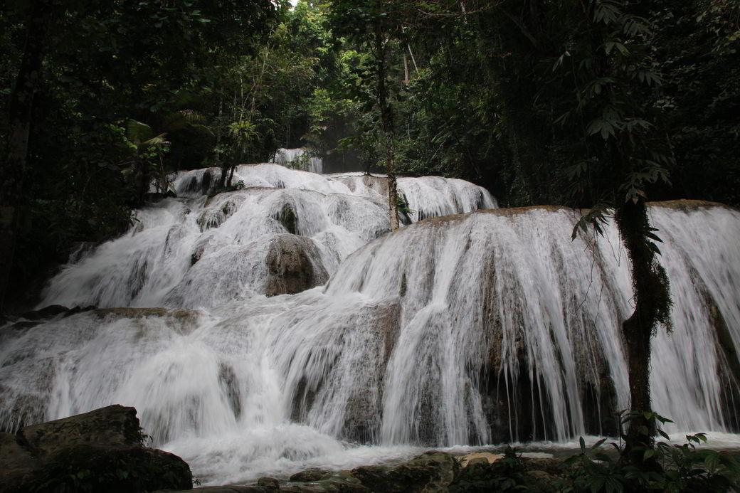 Verschollen am Salopa-Wasserfall bei Tentena