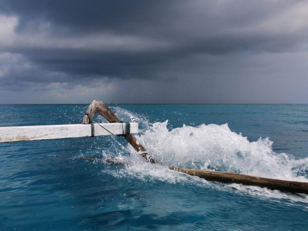 Togians Auslegerboot